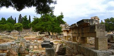 Antiikin Korintissa, 2004. Ancient Corinth.