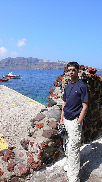 This shot was taken at the port known as Ammoudi, located on the northern side of Santorini, just west of Ia.