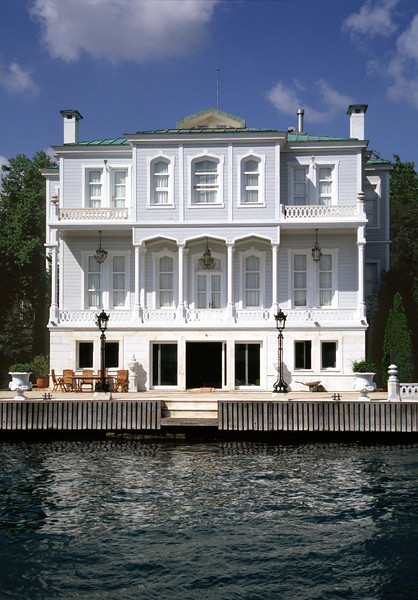 19th century villa on Bosphorus waterfront