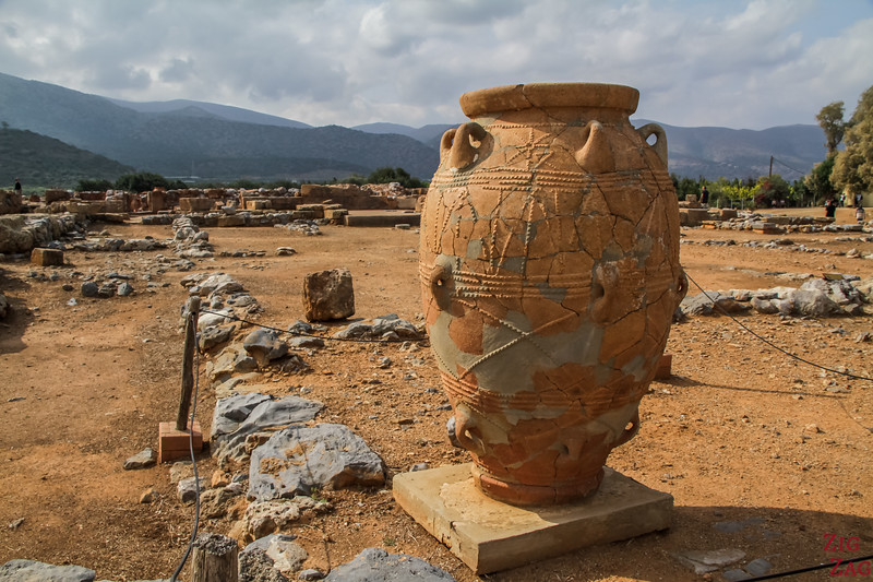 Why visit the Malia Palace archaeological site?