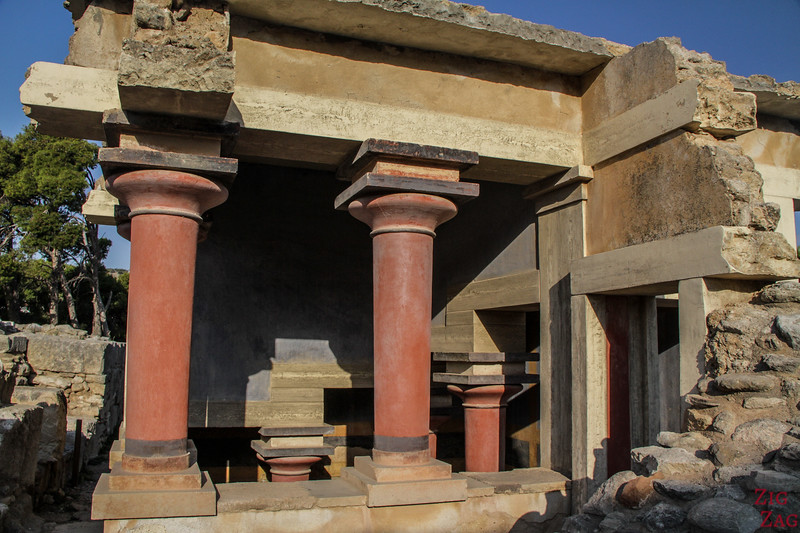 palace of Knossos architecture - Lustra Basin