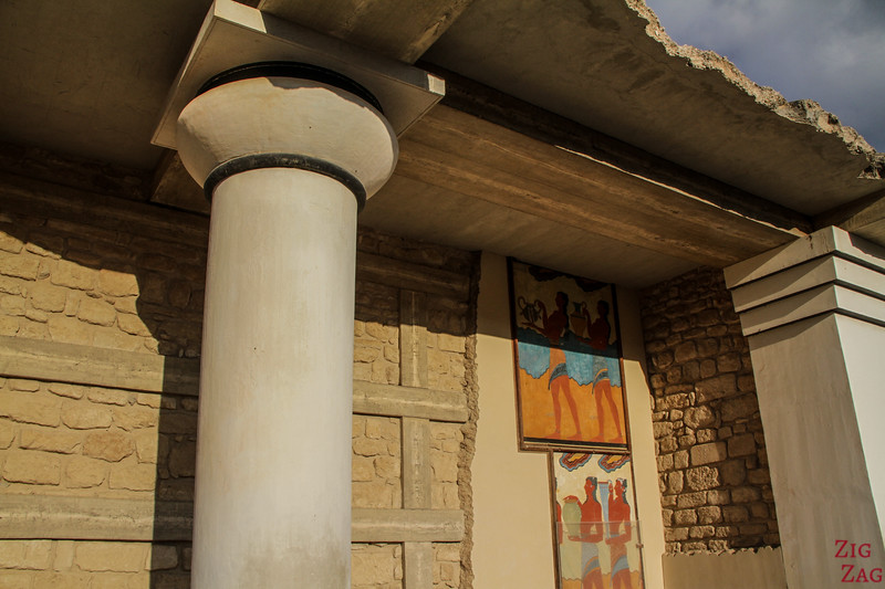 palace of Knossos architecture - South propylaeum