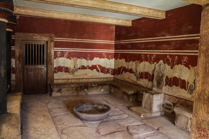 palace of Knossos architecture - Throne room