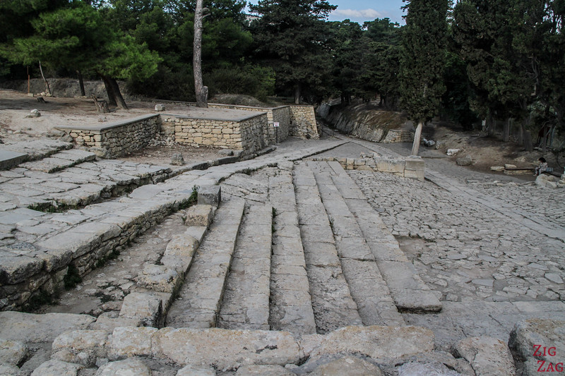 palace of Knossos architecture - Theatral area