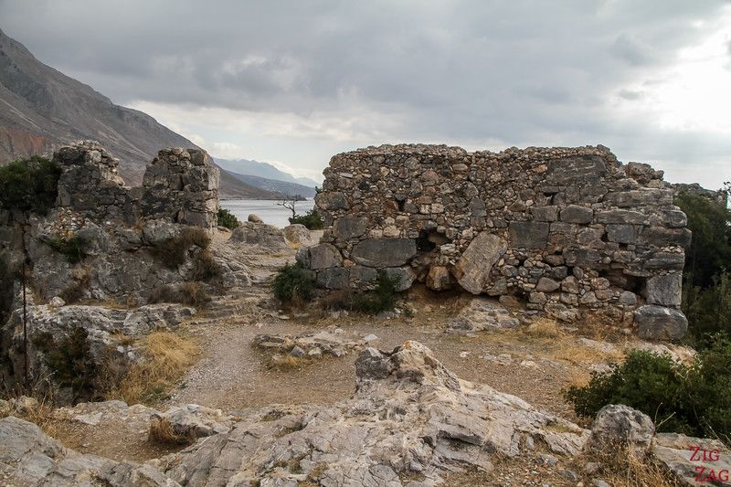Loutro fortification ruins 2