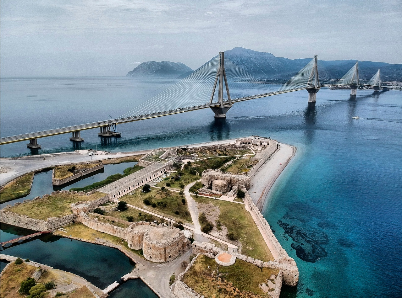 Rio Fortress and Rio-Antirio bridge