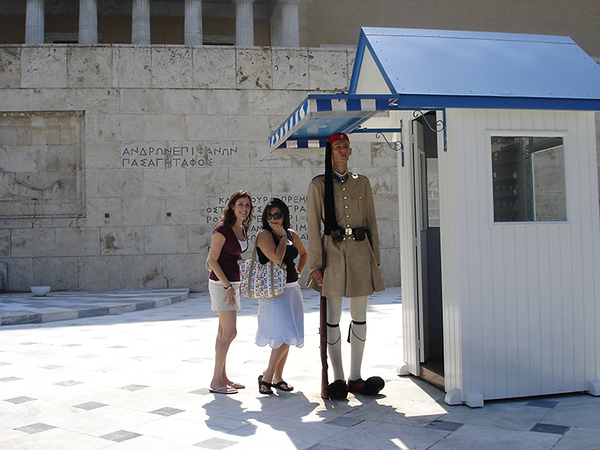 Jackie and Lyssie pose with the Presidential guards