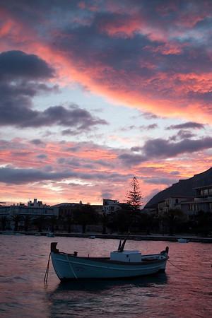 Sunrise, Nafplion Harbor 700pix-3918