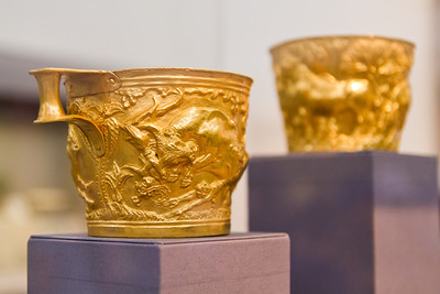 Vapheio Cups (c. 1600-1550 BC) National Archaeological Museum Athens, Greece