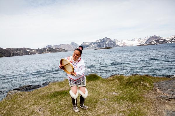 Inuitka bubnový tanec