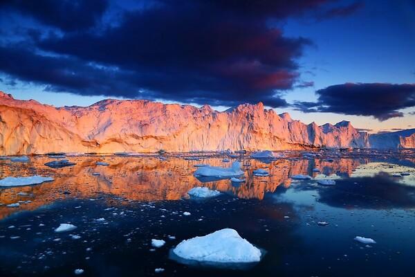 GRE - Iceberg in Ilullisat7263 sm