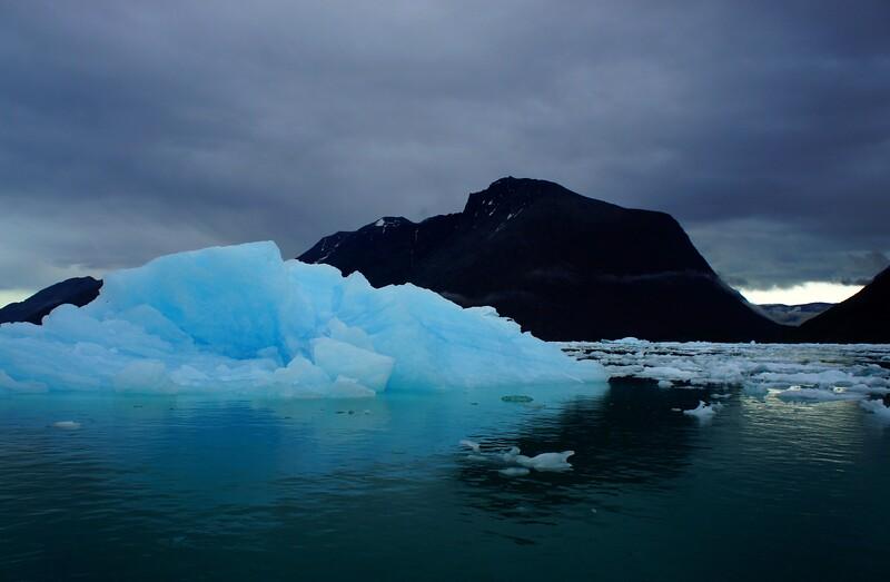 GRE - Iceberg in Qooqqut fjord -DSC01034
