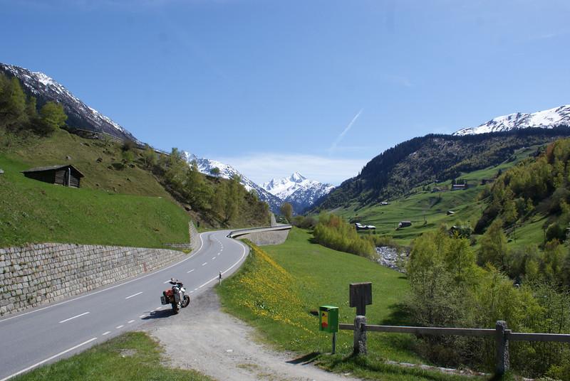 Dag 1 Maastricht-Bazel-Gothard(dicht)-Oberalppas-Como