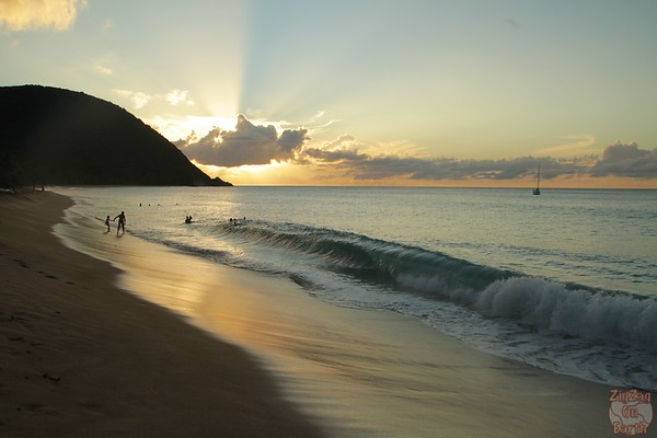Grande Anse beach guadeloupe:  waves rolling