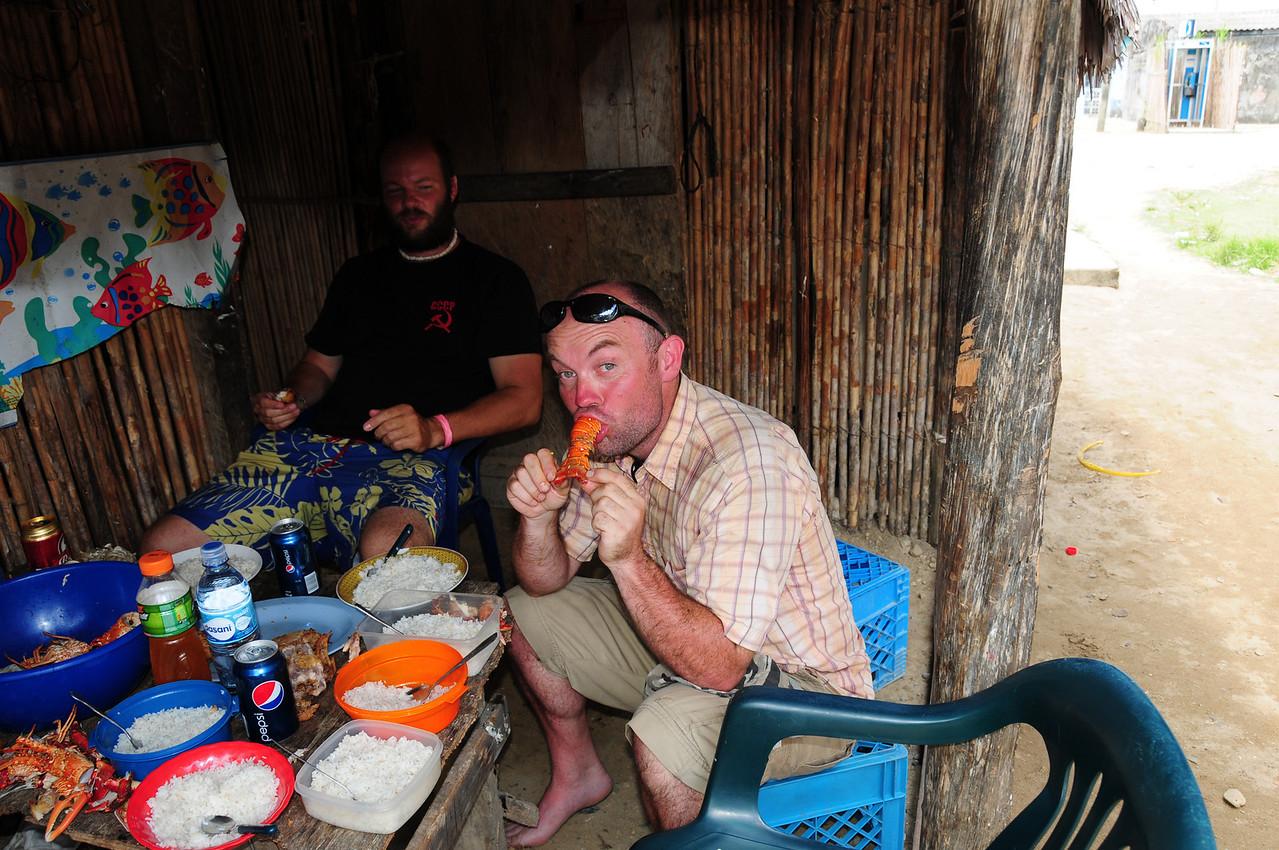 Lunch in the Kuna village of Uuargandub