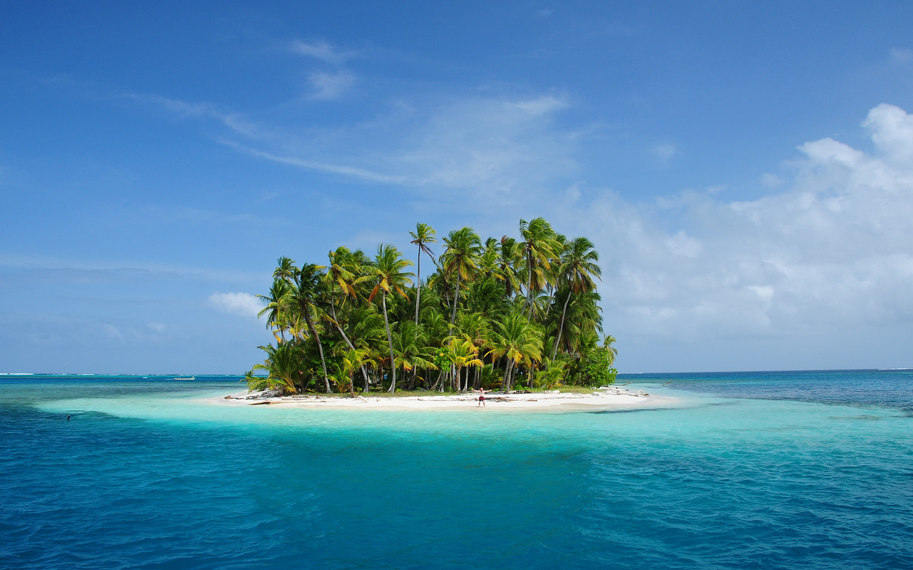 My own tropical island. Coco Bandera,  San Blas Islands