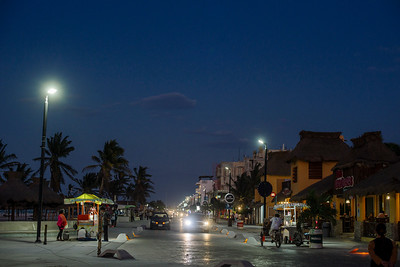Marquesitas at night