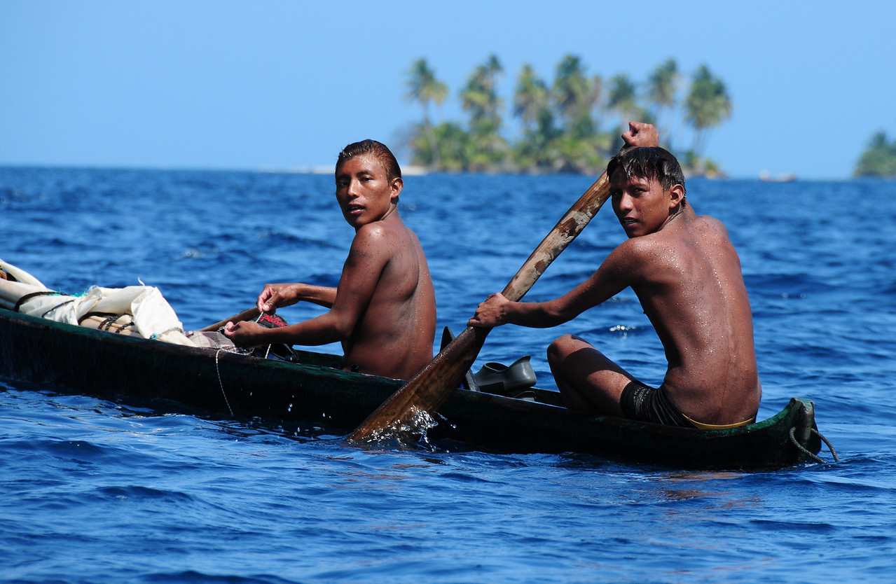 Kuna fishermen.  San Blas Islands