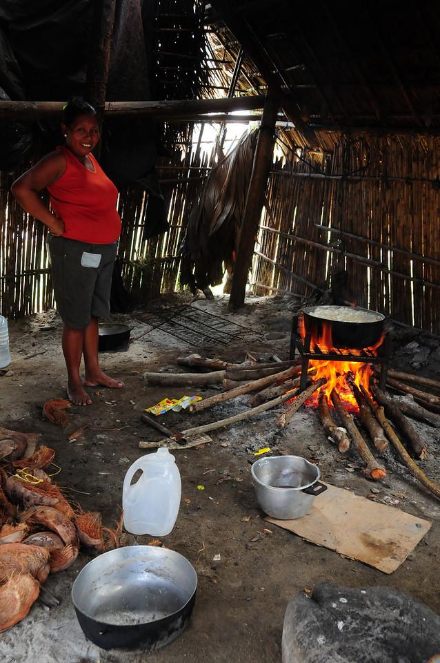 Chicken stew at the kuna village of Uuargandub
