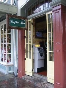 Honfleur Bar, Decatur St