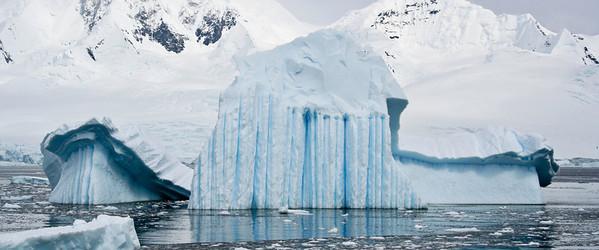 12-25 Danco Island 01 Iceberg