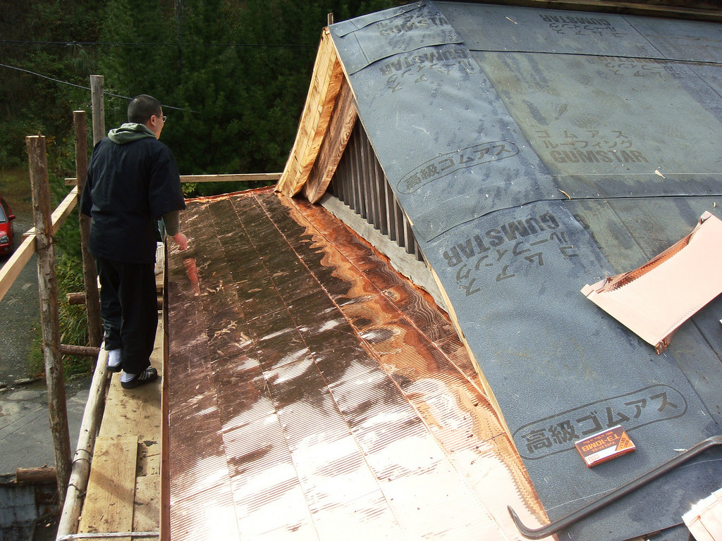 Temple storehouse roof renovation