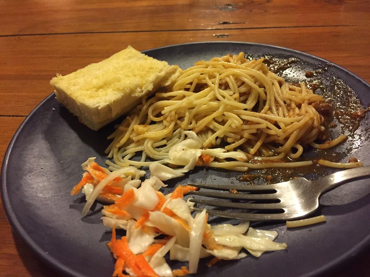 Spaghetti, garlic bread, picliz