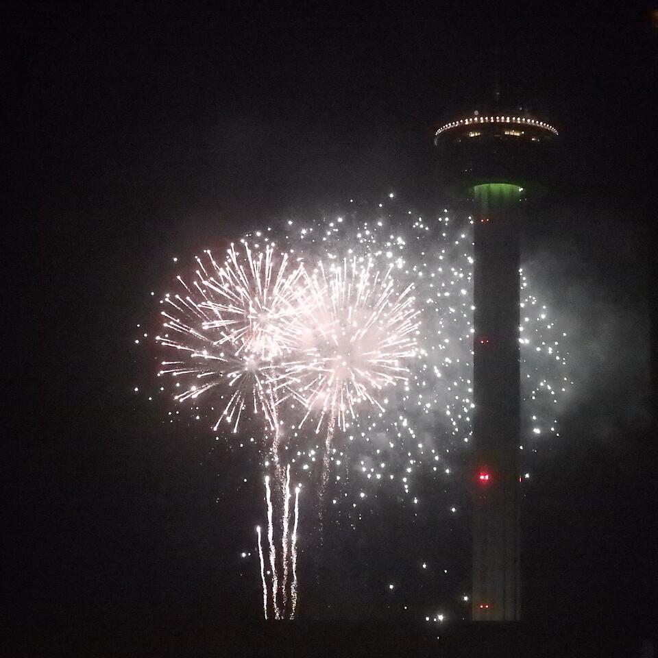 San Antonio  White Fireworks