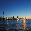 2011-03-07. Marsmåne över hamnen. Hamburg [DEU]