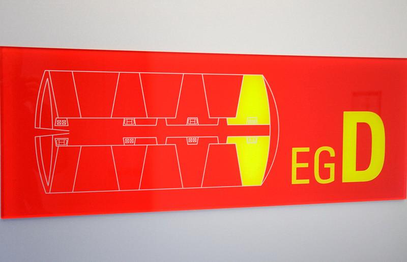 2011-03-11. Tryckfall i sektor D, Tryckfall i sektor D! Automatisk luftslusstängning påbörjas. Se upp för dörrarna! Dörrarna stängs! Hamburg [DEU]