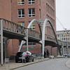 2011-03-10  gångbro/stormflodsskydd. Hamburg [DEU]