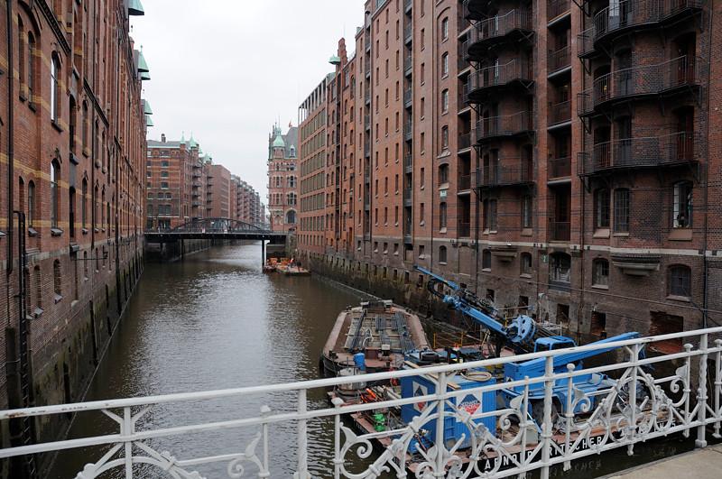 2011-03-10.  grundförstärkningsarbete. Hamburg [DEU]