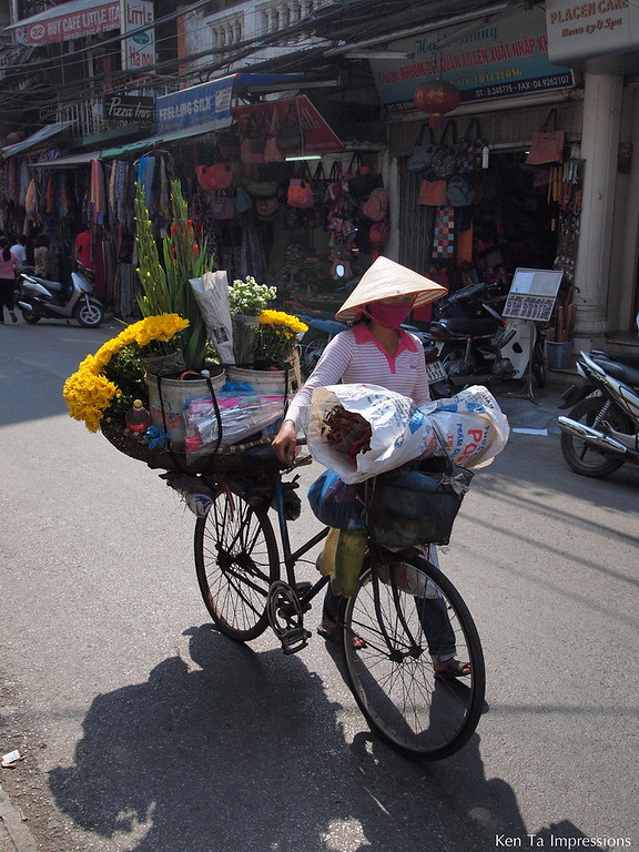 How I Saw It - Hanoi's Street Vendors - Hanoi, Vietnam