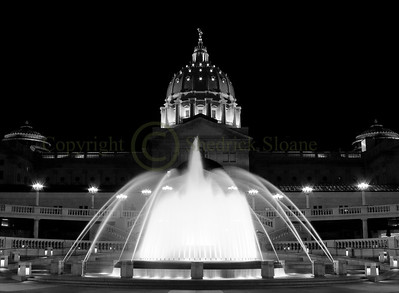 046960BW Capitol Dome & Fountain