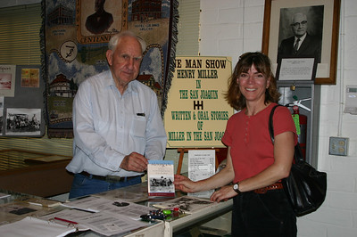 At the end of our tour, Linda bought one of his books and they posed for the paparazzi.  (The book of his that I thought sounded most of interest to me was out of stock.)