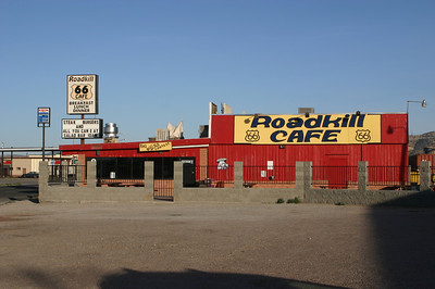 Next door to our hotel, another nifty-looking Route 66 restaurant, the Roadkill Cafe. Never got a chance to eat there, either.