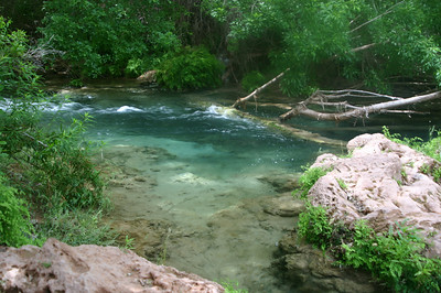 Huh, to get to Navajo Falls, you have to actually cross the creek, which seems fairly rapid and fairly deep. I'm not encouraged.