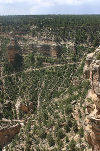 Close-up of the first part of Bright Angel Trail.