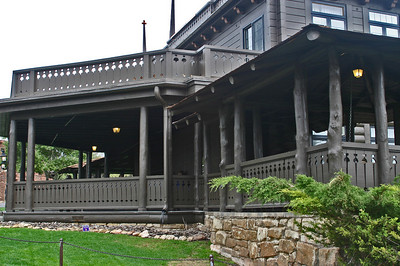 El Tovar, the Front Side, which faces Hopi House. It's a wonderful, broad porch filled with comfy chairs.