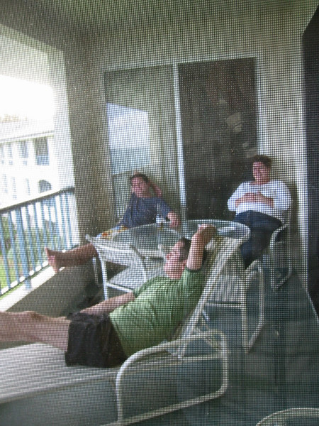Jason, Matt and Melissa enjoying our lanai on our arrival to the Embassy Resort Poipu.