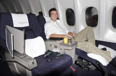 On the way to Minneapolis from Honolulu, enjoying Northwest's old fashioned but comfy WBC. One of the last Northwest flights operated by DC10-30.