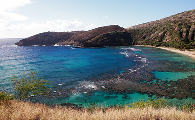 Hanauma Bay, a great place to snorkel on Oahu. Morning view.