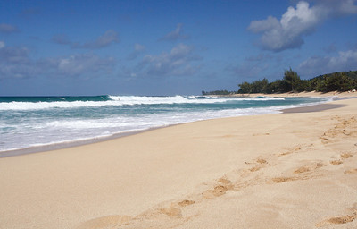 One of North Shore beaches (Sunset Beach???) ...