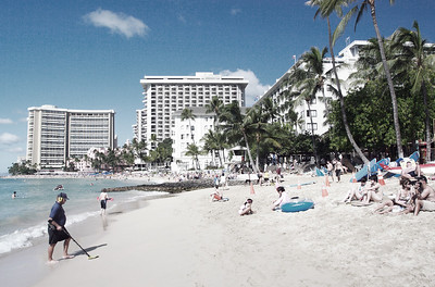 Waikiki Beach. Quiet peaceful family paradise. Not!