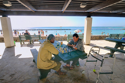 Chess match at Waikiki