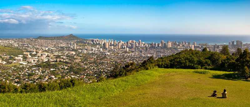 View from Pu'u 'Ualaka'a State Park. Diamond Head & Waikiki, Honolulu.