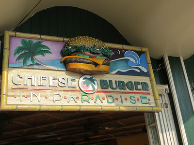 We liked the name of this joint, so we had dinner there.  As is typical for Hawaiian restaurants, I would learn, it is quite open to the soft breezes that waft through.  And as is typical for everything in Hawai'i, very laid back.