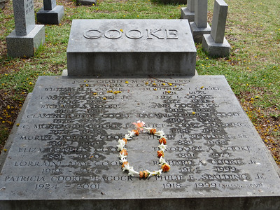 This marker commemorates members of the Cooke family from earliest settlement up to modern times.  As was often the case, descendants of the missionaries went on to become prominent businessmen in Hawaii.