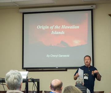 Trip leader Steve Kooiman briefs the group at the beginning of Cheryl Gansecki's excellent talk on Hawaiian geology
