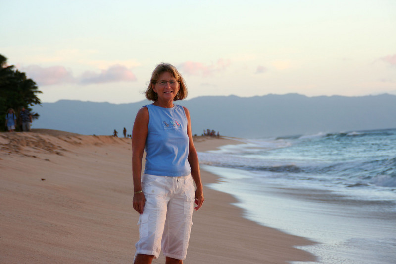 Becky in front of the Bonzai Pipeline.